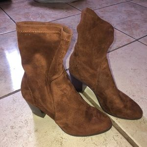 Brown sock boots size 7